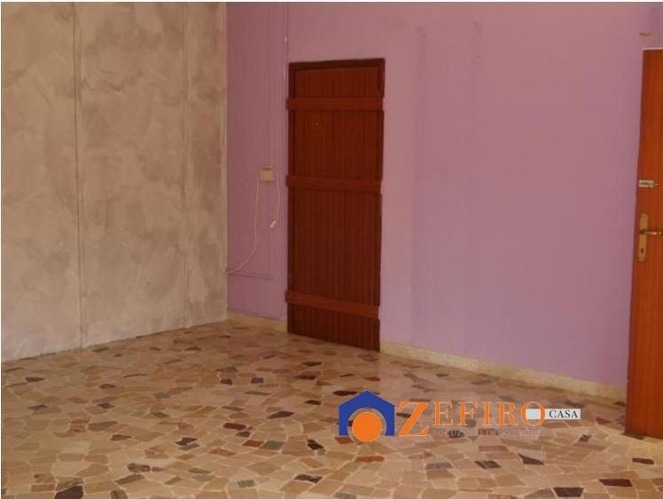 Negozio / Locale in affitto a San Giovanni in Persiceto, 2 locali, prezzo € 750 | Cambio Casa.it