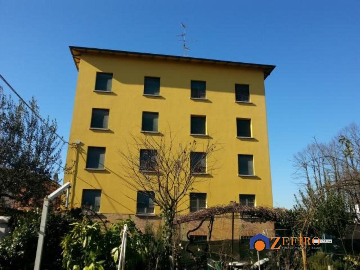 Appartamento in vendita a Crevalcore, 3 locali, prezzo € 41.000   Cambio Casa.it