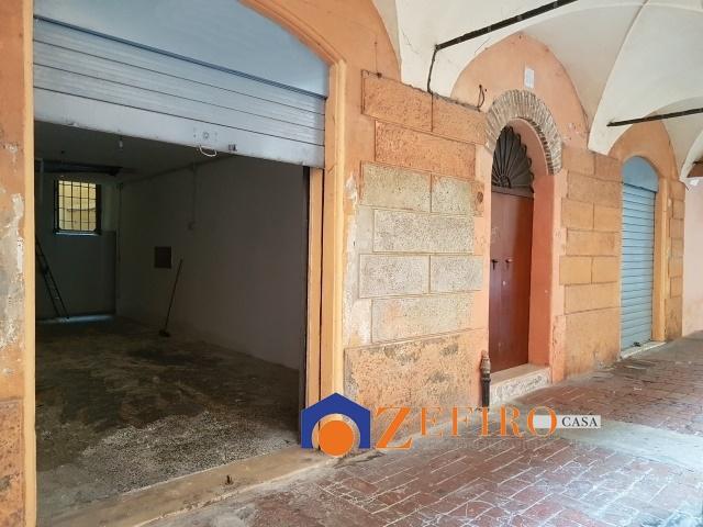 Magazzino in affitto a Modena, 2 locali, prezzo € 400 | Cambio Casa.it