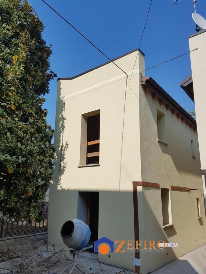 Appartamento in vendita a San Giovanni in Persiceto, 4 locali, prezzo € 190.000 | PortaleAgenzieImmobiliari.it