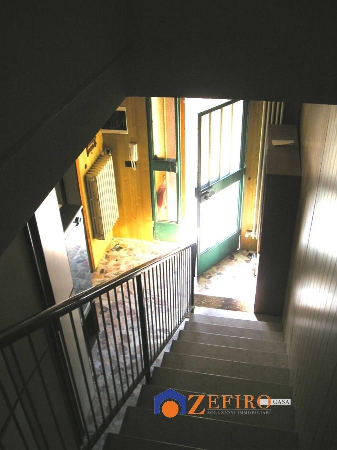 Vendita casa semi indipendente san giovanni in persiceto for Piani di casa con garage indipendente e guest house