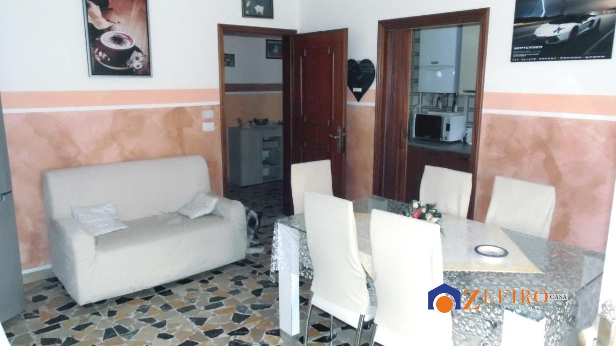 Appartamento in vendita a Sant'Agata Bolognese, 4 locali, prezzo € 70.000 | Cambio Casa.it