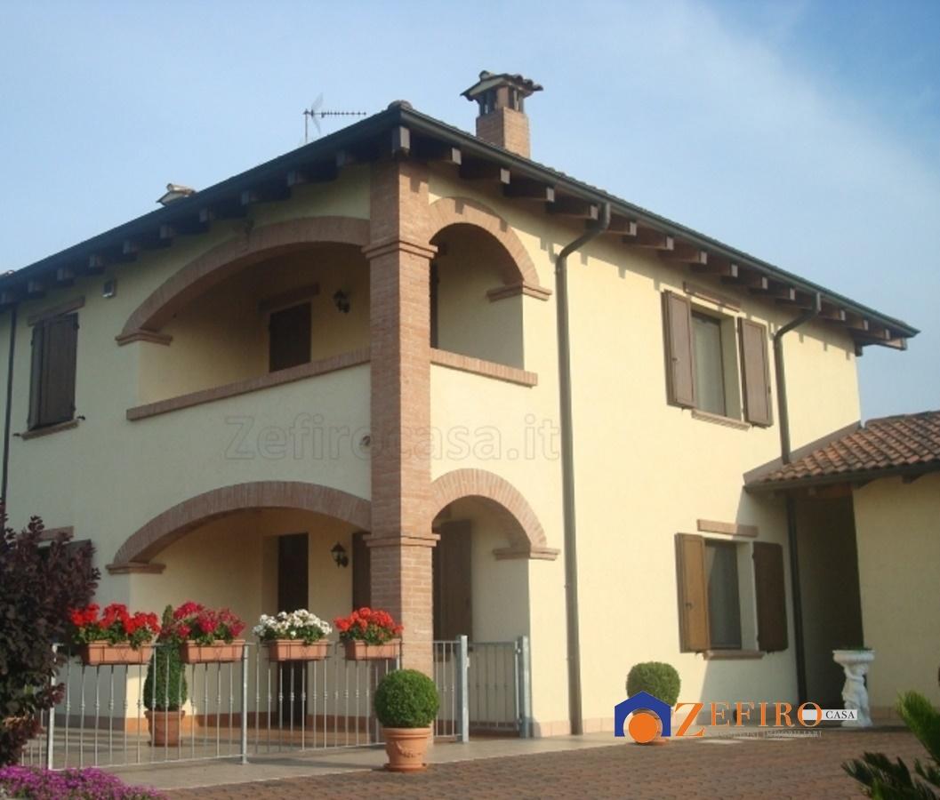 Villa in vendita a Sala Bolognese, 4 locali, prezzo € 410.000 | Cambio Casa.it