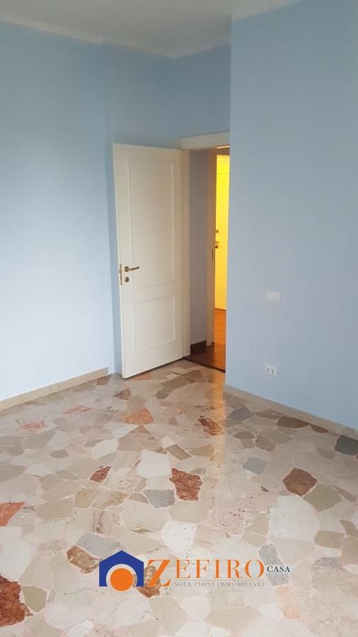 Vendita appartamenti san giovanni in persiceto san for Piani garage annessi con stanza bonus